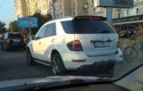 По Києву їздять круті Mercedes-близнюки з однаковими номерами